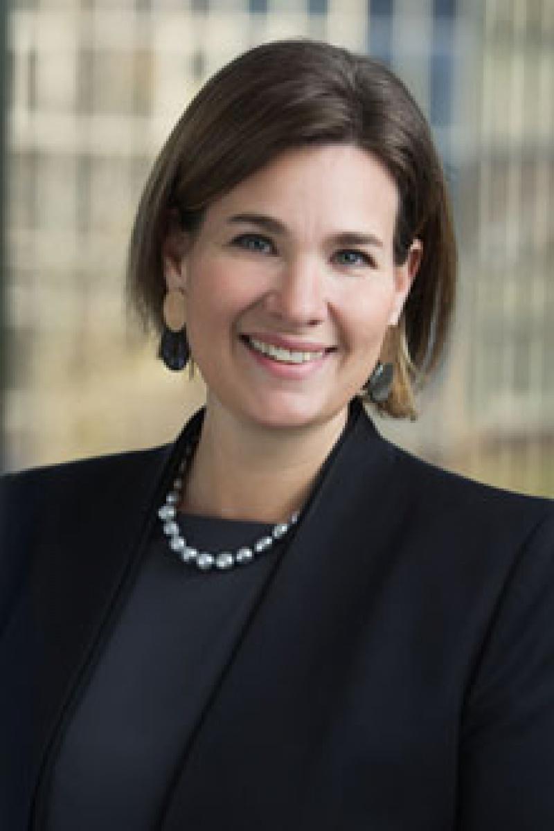 Simone Oremovic, Vorstandsmitglied des britisch-amerikanischen Pharmakonzerns Shire in Österreich