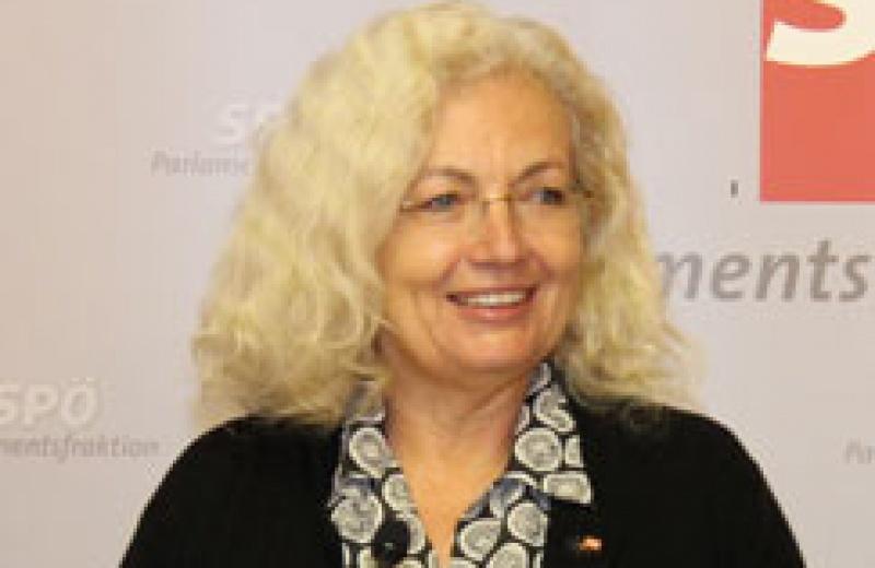 Karin Kadenbach